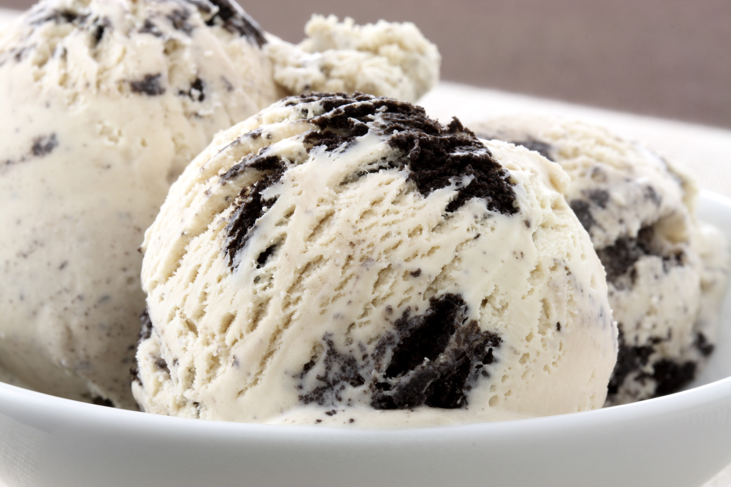 delicious cookies and cream ice cream